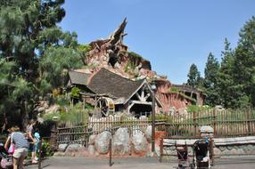 Around-Disneyland-(50).jpg