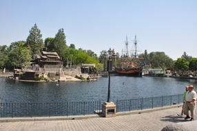 Around-Disneyland-(75).jpg
