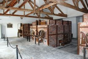 Dachau-Ovens.jpg