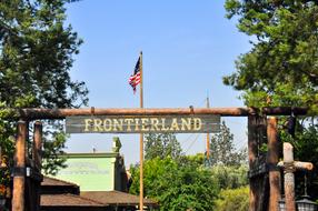 Frontierland-Sign.jpg