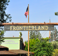 Background-Frontierland-Sign.jpg