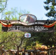 Background-Frontierland-Big-Thunder-Ranch.jpg