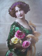 Beautiful-Green-Dressed-Victorian-Lady-Picture.JPG